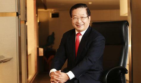 107學年度政大傑出校友 - 兆豐金控暨兆豐銀行董事長張兆順:「要有面對問題的勇氣、解決問題的能力」